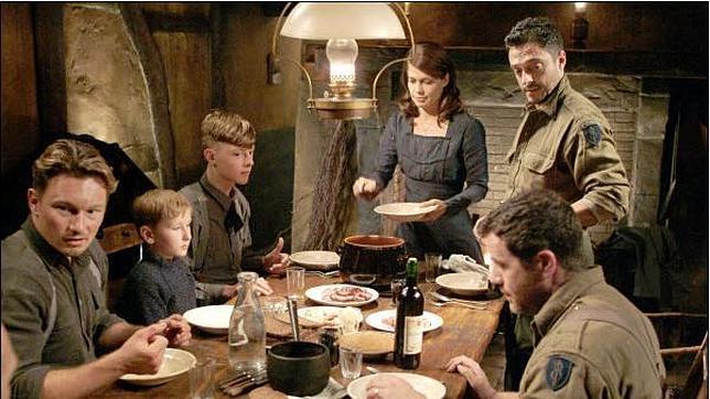 La curiosa cena de Navidad entre soldados nazis y norteamericanos Captura-noche--644x362