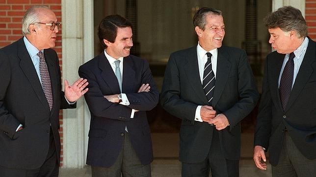 ¿Cuánto mide Felipe González? - Altura Presidentes-gobierno--644x362