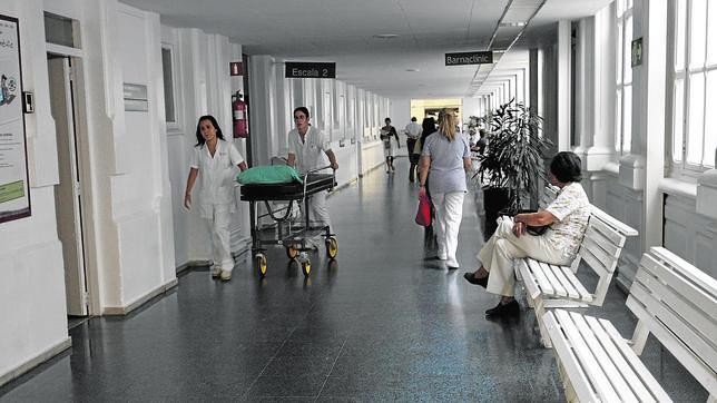 Derecho a sanidad gratuita y realidad capitalista. - Página 4 Hospital-clinic-barcelona--644x362