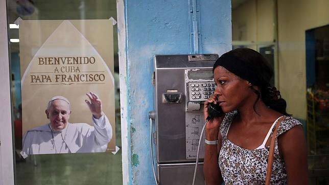 EEUU - Cuba: Obama y Raúl Castro ponen fin a más de 50 años de enfrentamientos y sanciones. El fin del embargo en manos del Congreso estadounidense. - Página 3 Papa-cuba--644x362
