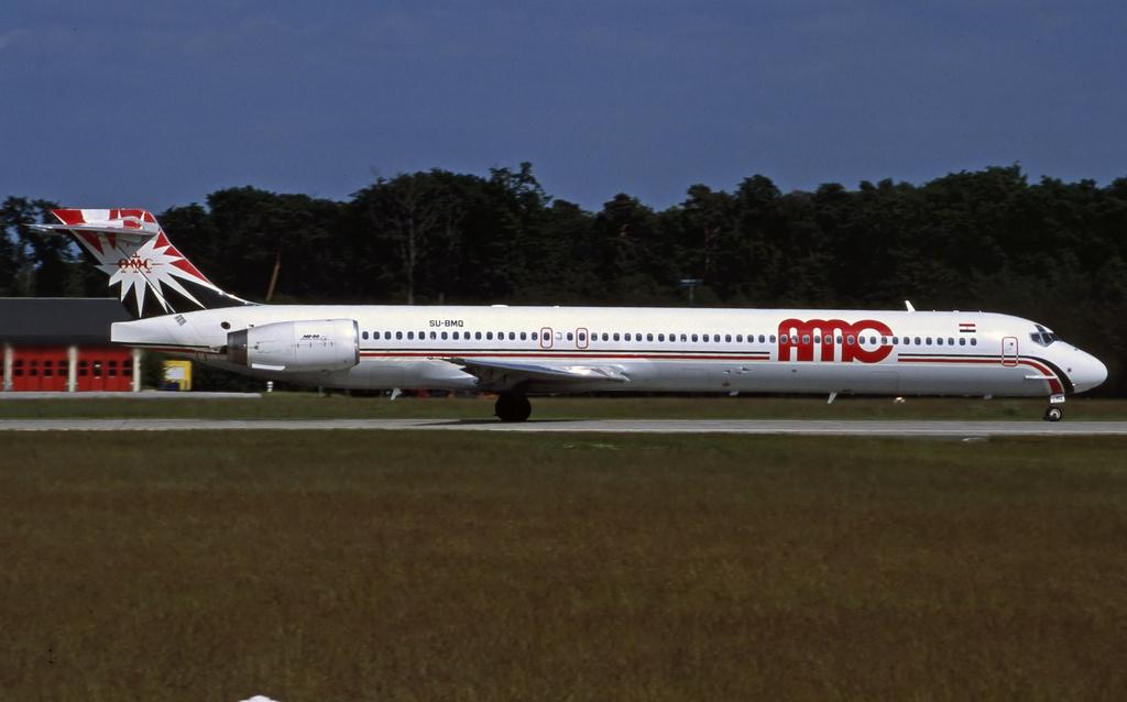 DC-9 in FRA - Page 3 Amc-md90-su-bmq-19991srir