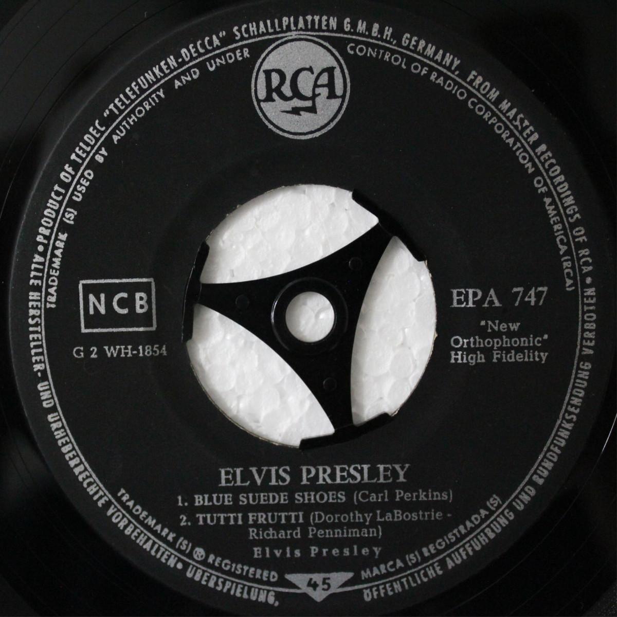 ELVIS PRESLEY Epa747chzj7u