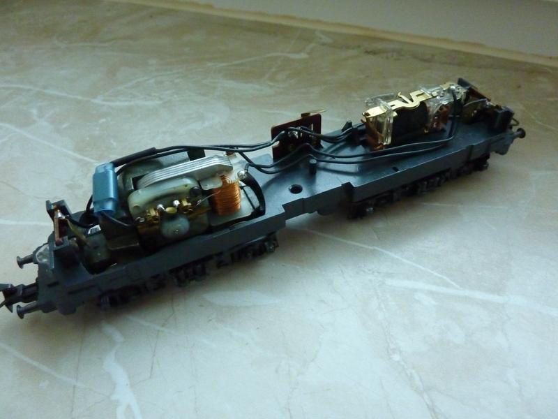 Märklin 3155 111 136-8 Umbau auf Lichtwechsel (in Vorbereitung) P1050100174d