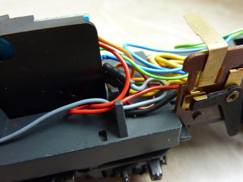 Märklin 3155 111 136-8 Umbau auf Lichtwechsel (in Vorbereitung) P1070036wij0o