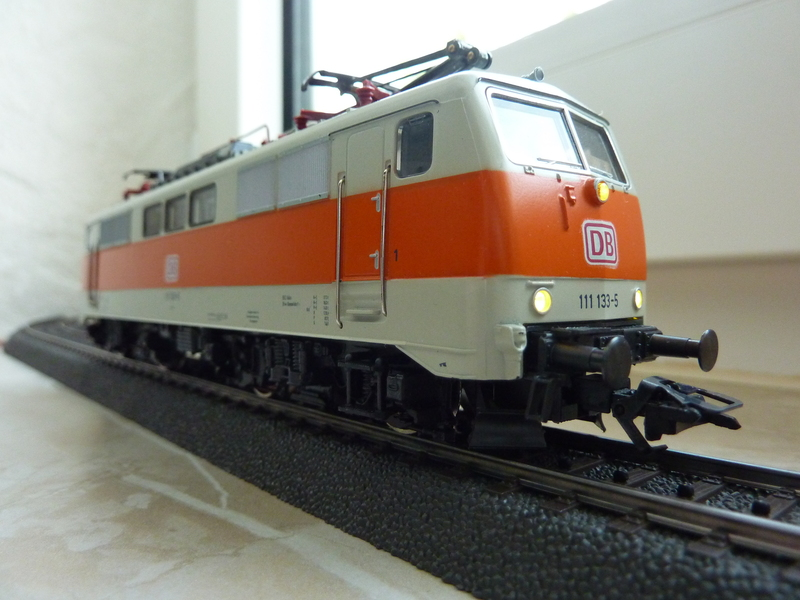 Märklin 3155 111 136-8 Umbau auf Lichtwechsel (in Vorbereitung) P10700655la35