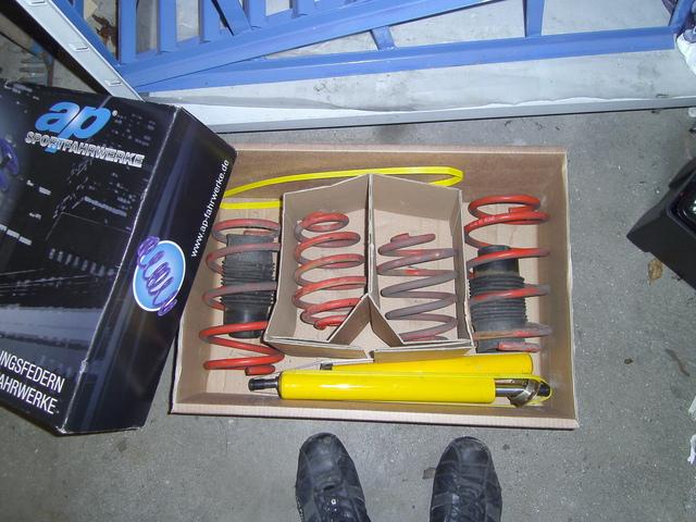 Umbaugeschichte meines GT´s = 18.05.2012 Dämmung Rückbank, Türen, EFH ... Pict0957w7ble