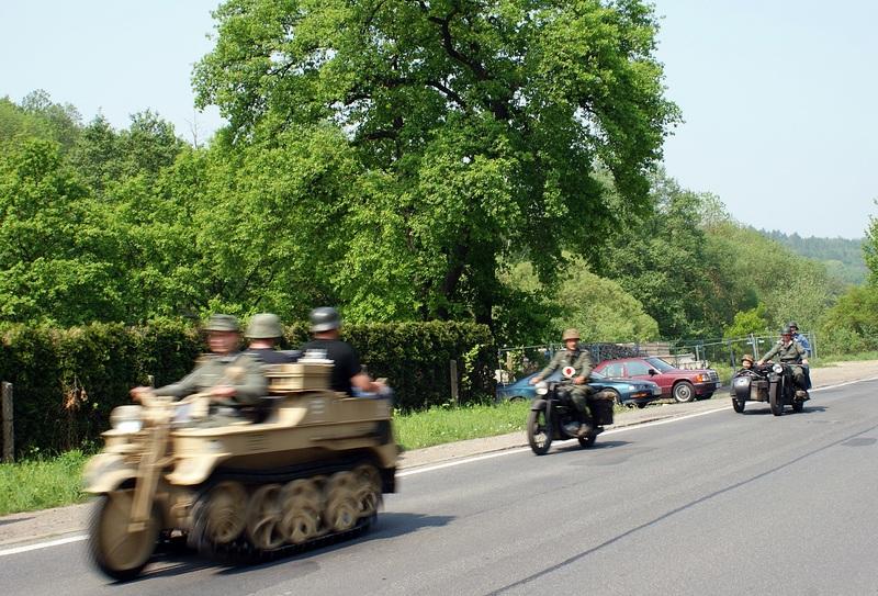 Besuch von Wehrmachtsfahrzeugen. Tim12116bcs