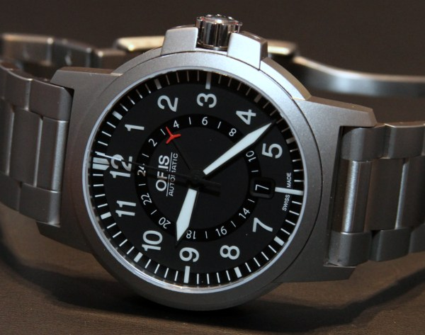 Petite montre GMT - Page 2 Oris-BC3-Air-Racing-GMT-Limited-Edition-Watch-1