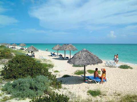 Cuba rehabilitan 1500 metros de playas en Jardines del Rey Cayo-coco11