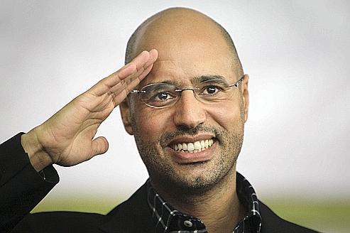 الشرق الأوسط:هل يعود آل القذافي لحكم ليبيا؟ %D8%B3%D9%8A%D9%81-%D8%A7%D9%84%D8%A7%D8%B3%D9%84%D8%A7%D9%85