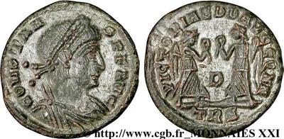 AE4 de Constancio II. VICTORIAE DD AVGGQ NN. Arlés 181366.m