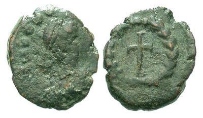 Teodosio II??  Valentiniano III??  Bonifacio??  Leon I??  4090.m