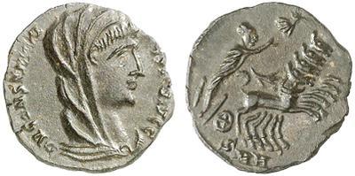 AE4 póstumo de Constantino I velado (rev: Cuádriga) Heraclea. 1516358.m