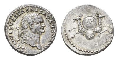 Denario de Vespasiano. Inscripción SC en escudo entre dos capricornios. Roma. 2249061.m