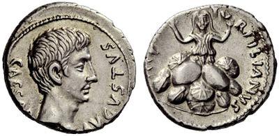 Denario de Augusto. TVRPILIANVS III VIR. Roma 758522.m