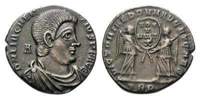 Bárbara de Magnencio 1658179.m