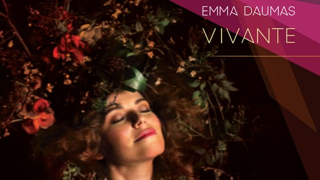 Album  5 - Vivante EP Sortie le 27 Mai 2016 Emmadaumasvivantetitle
