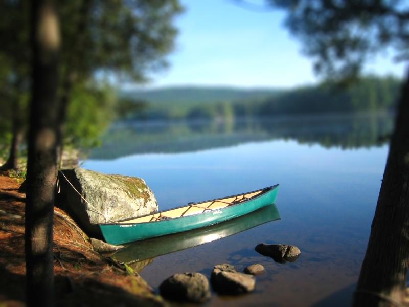 Jezera - Page 2 Lower_saranac_lake-canoe-tiltshift