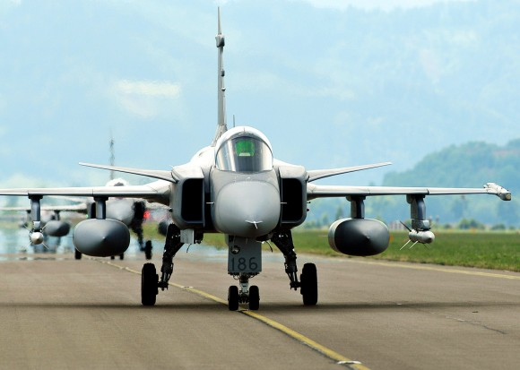 Suecia alquila el JAS-39 Gripen a precio bonificado Saab-Gripen-1-580x413