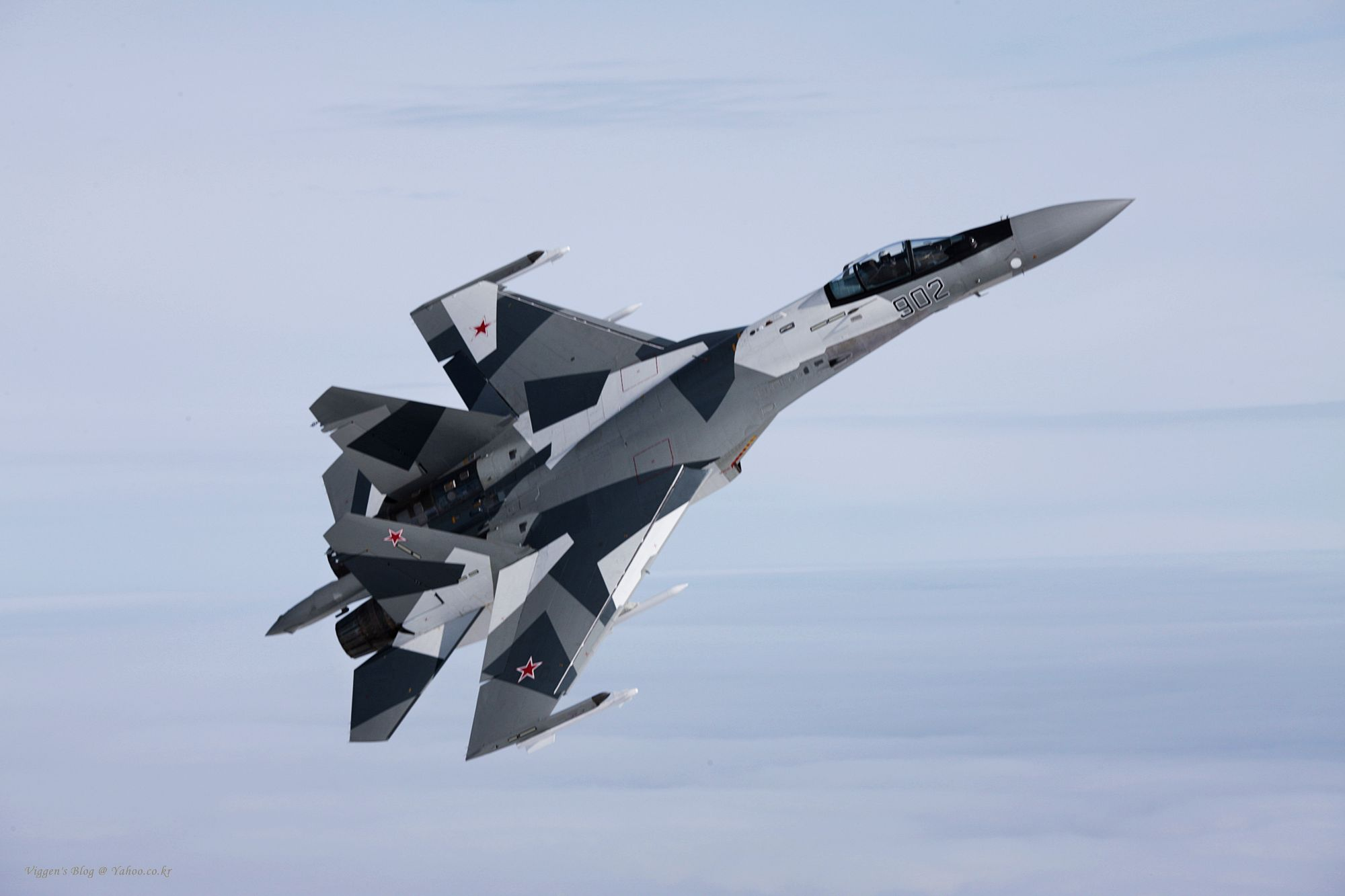 ترسانات الأسلحة للعام 2012 - صفحة 2 Su-35bm-2-1