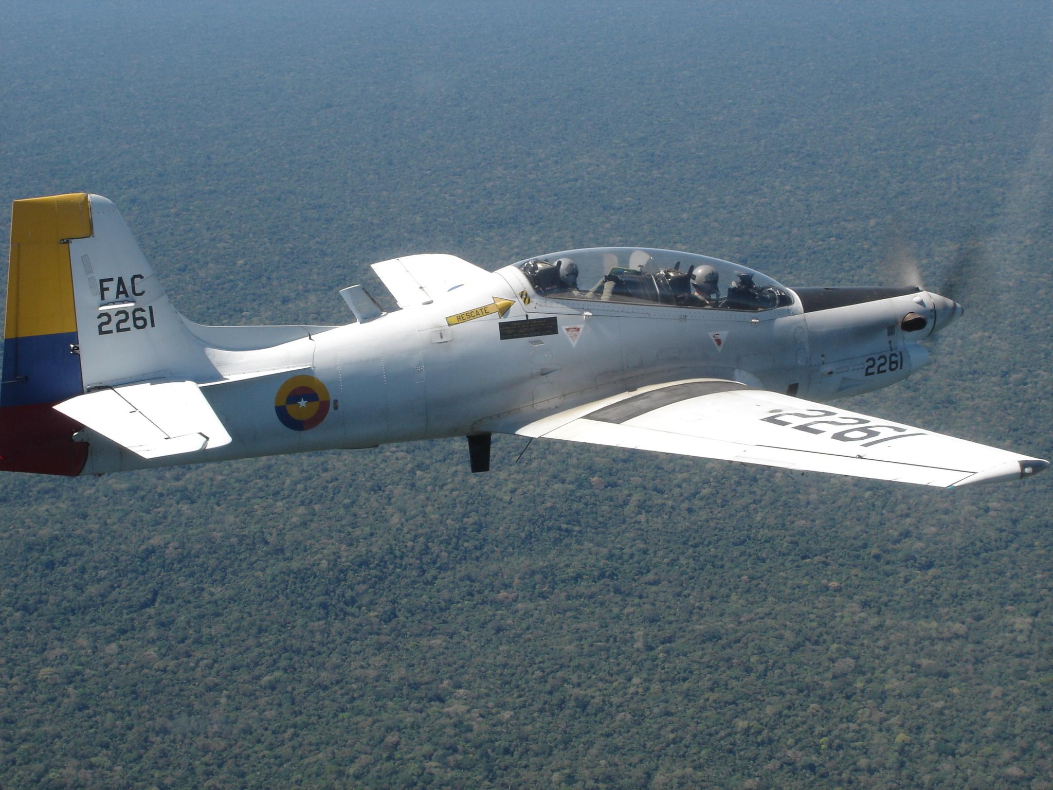 Embraer EMB 314 Super Tucano(  avión turbohélice diseñado para el ataque ligero, contrainsurgencia y entrenamiento avanzado de pilotosBrasil, ) Tucano-colombia-foto-fac