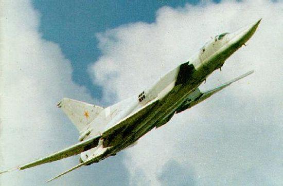 موسوعة القاذفات الاستراتيجية الروسية والامريكية Tu22m_01