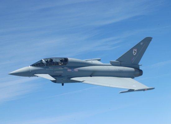 أحسن 10 طائرات بالعالم  Typhoon_06