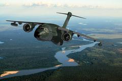 Avions de transport tactique/lourd - Page 2 106
