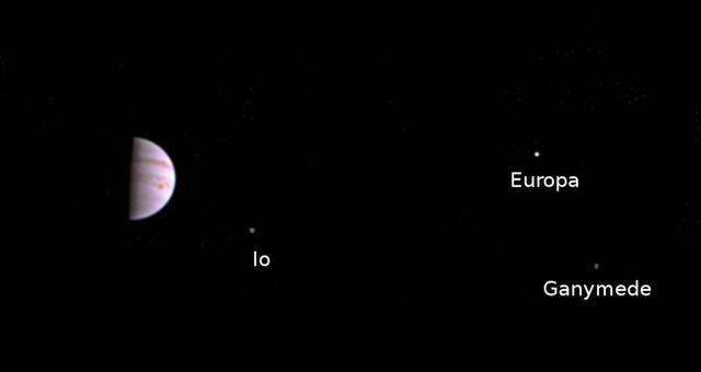 Primeras imágenes de Júpiter y sus lunas captadas por Juno  Primeras-imagenes-de-Jupiter-y-sus-lunas-captadas-por-Juno_image640_