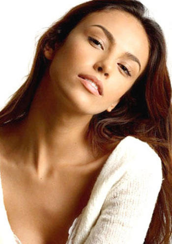 Mujeres preciosas (De esas de amor platónico) Madalina-ghenea-modelling-5