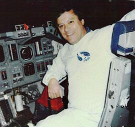 Un technicien de la NASA divulguerait des informations sur l'existence des ovnis NASA_McClelland
