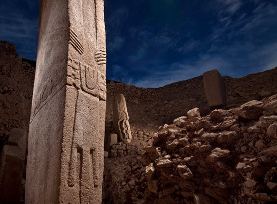 Göbekli Tepe (12000 ans), le plus ancien temple en pierre jamais découvert Gobekli-Tepe-05-0621b