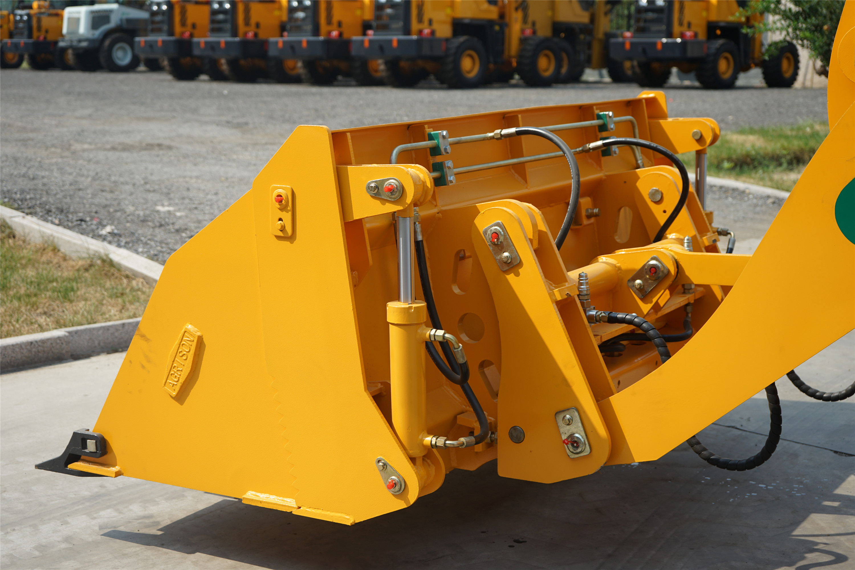 macchine agricole agrison australia Agrison-TX-Wheel-Loader-4-in-1-Attachment-6