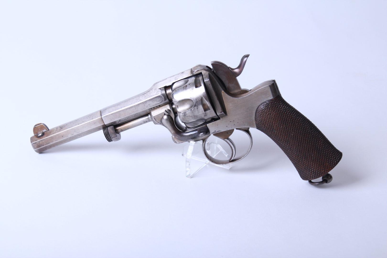 Revolver ... belge ? 2542_1-1620x1080