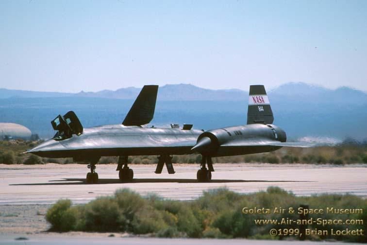 Lockheed SR-71 Black Bird SR-71A%20N844NA%20left%20front%20taxiing%20l