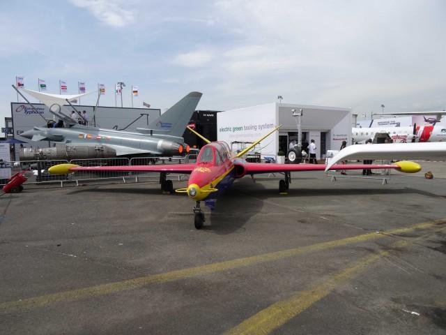 Bourget 2013 : avec Soar, Thales se lance dans le vol suborbital Par Rémy Decourt Air-journal-bourget-2013-18-640x480