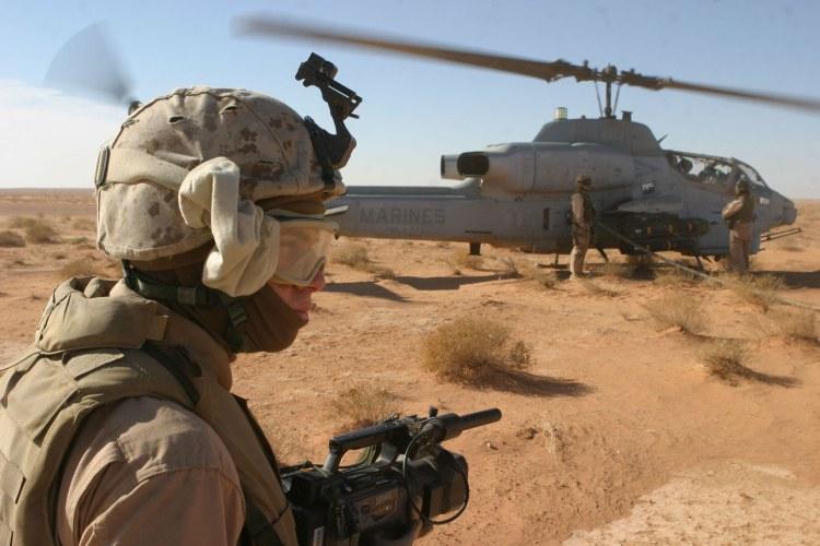 Hélicoptères de combats - Page 3 Ah1w-071208rs