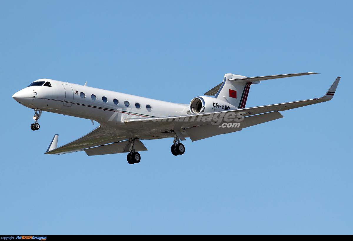 FRA: Avions VIP, Liaison & ECM - Page 4 123053_big