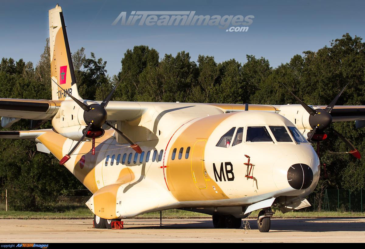 FRA: Photos d'avions de transport - Page 31 276170_big