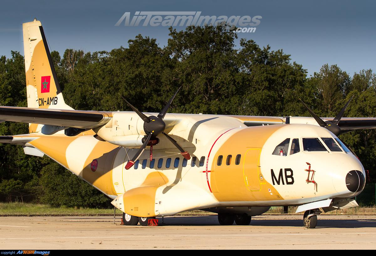 FRA: Photos d'avions de transport - Page 31 276171_big