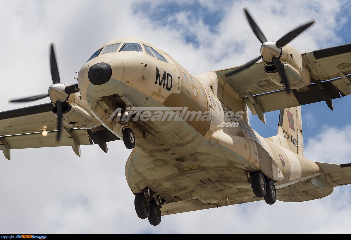 FRA: Photos d'avions de transport - Page 31 280483_big