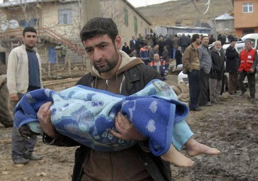 Evenements Marquants l'an 2011 en Image... - Page 3 Turquie-seisme