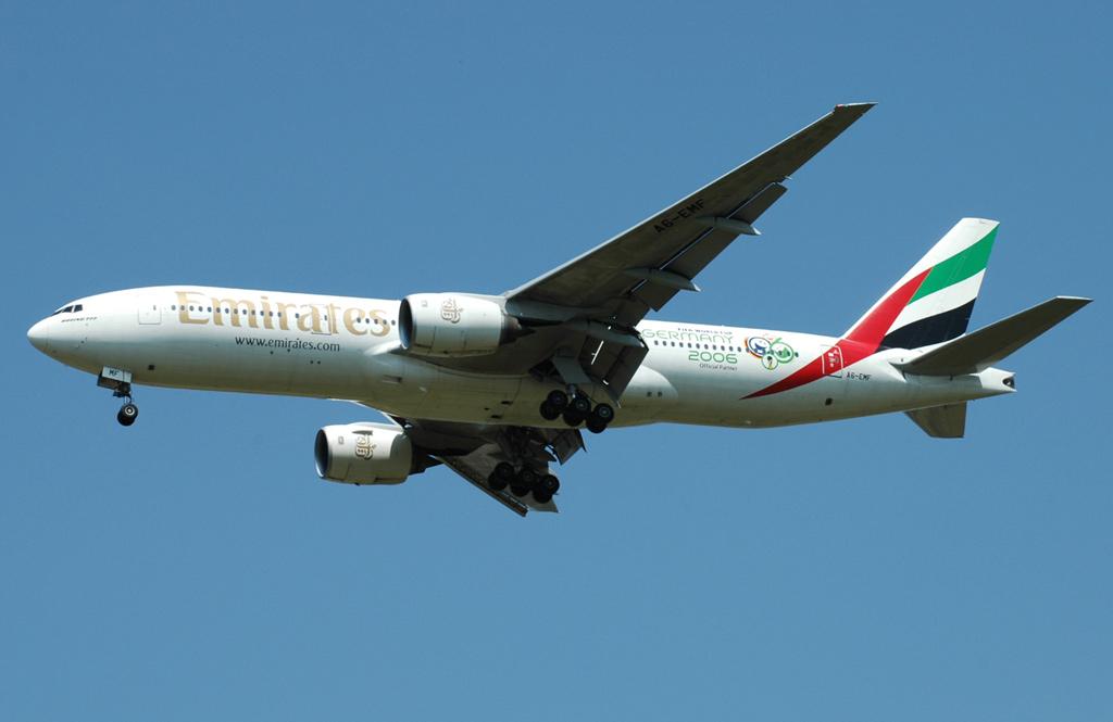 Compagnies d'aviation - Page 2 Ek-777-21h