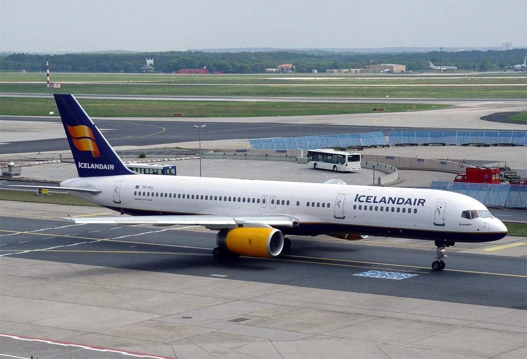 Compagnies d'aviation Fi757-208-2