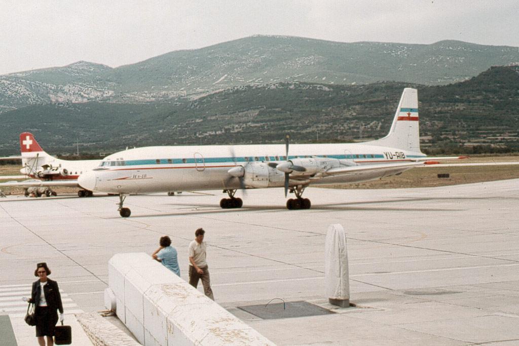 Iljušin Il-18 Juil-18