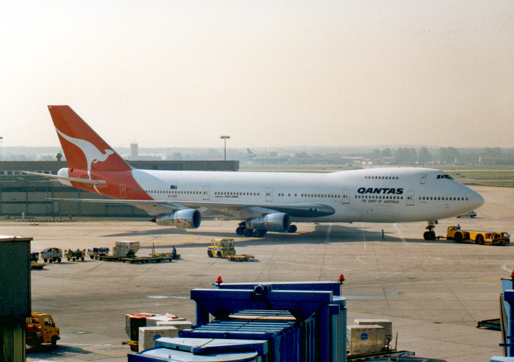 Compagnies d'aviation Qf747-2