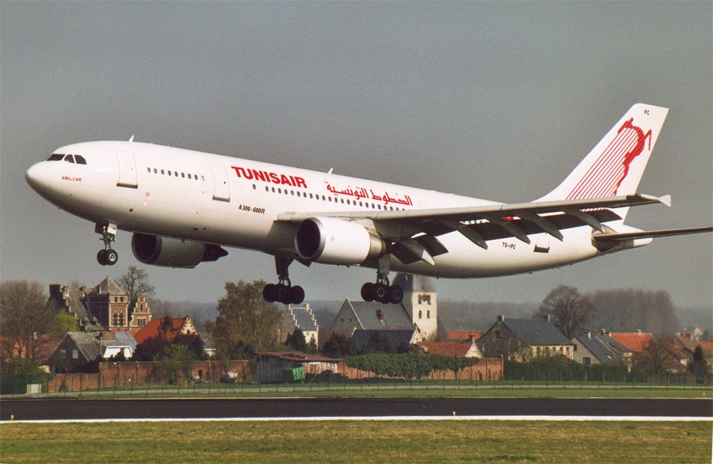Compagnies d'aviation Tua.300