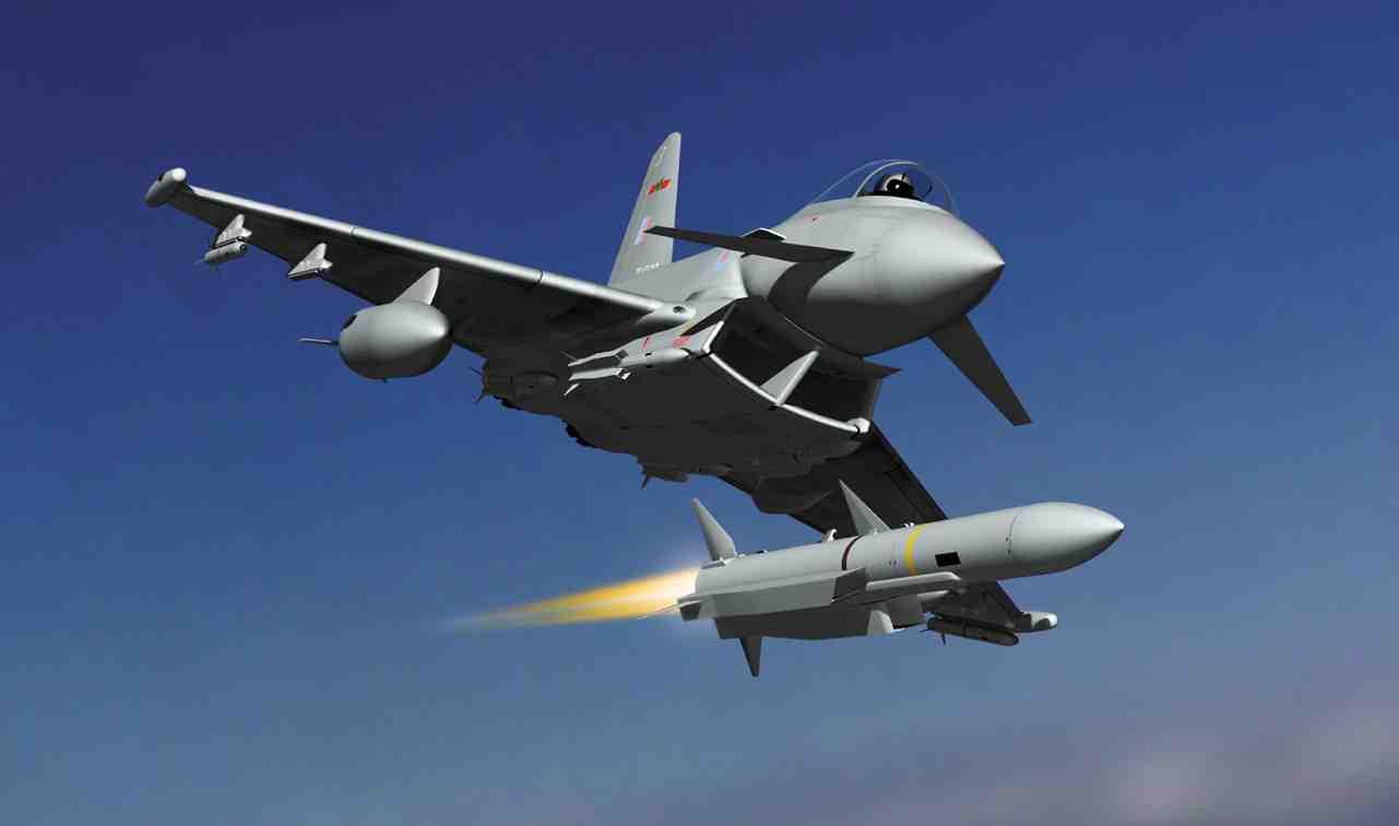 باريس تعيد طرح ملف بيع الرافال للجزائر  - صفحة 4 Eurofighter_Typhoon_400113954