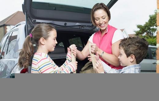 اهمية الذهاب الى السوق رفقة طفلك الصغير - صفحة 2 Mom-and-kids-shopping-with-canvas-tote-lg%281%29