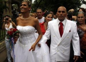 Martesa e parë gay në Kubë Gay-cifti